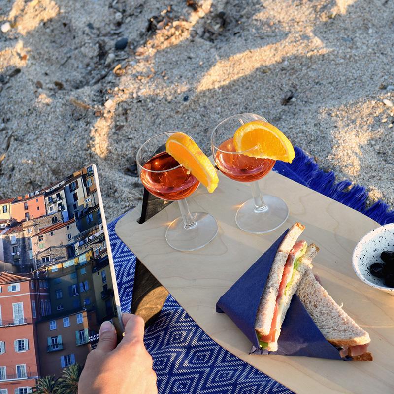 pique nique avec la table mezze à la plage